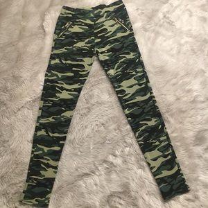 Pants - Camo Print Leggings